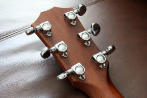 Taylor 414 headstock showing the nickel plated grover tuners that were used on all taylor guitars until 2003