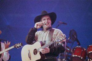 Garth Brooks Guitar Takamine EN15C