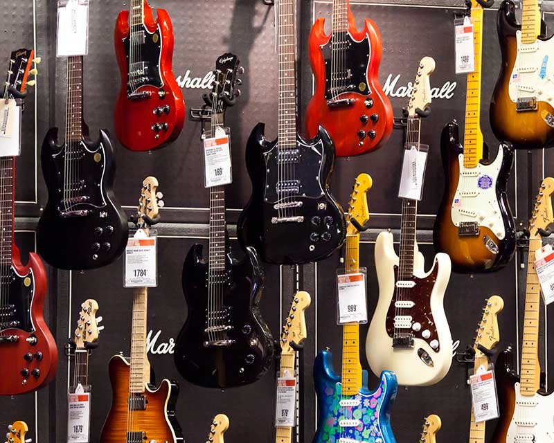 Types of Electric Guitars Featured Image