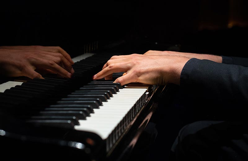 Easy Classical Piano Songs (Featured Image)