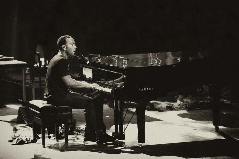 John Legend Playing an Easy Piano Song
