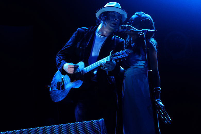 What Guitar Does Jack White Play (Featured Image)