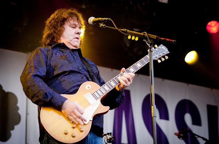 Gary Moore Playing Guitar