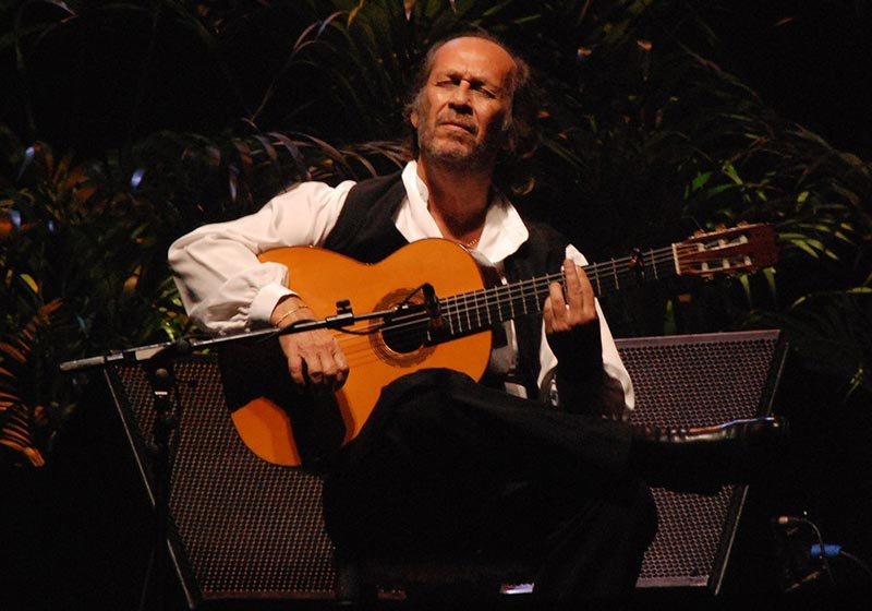 One of the Best Classical Guitarists of All Time