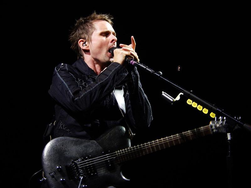 Matt Bellamy Playing Guitar