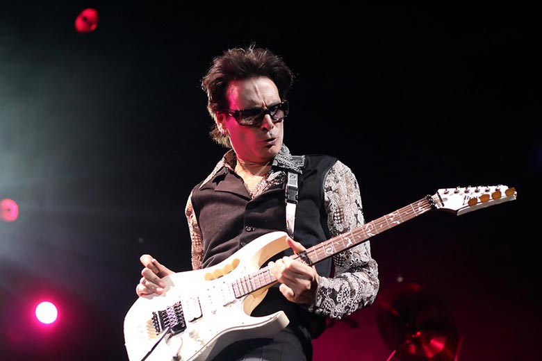 Steve Vai Playing One of the Hardest Guitar Solos