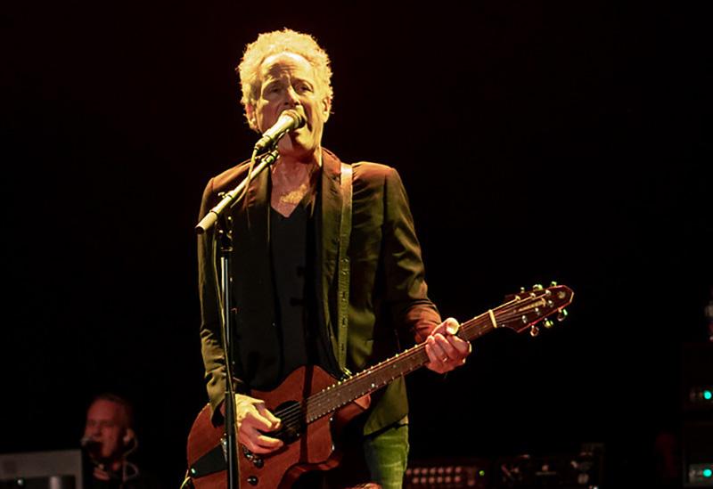 Lindsey Buckingham Playing Guitar