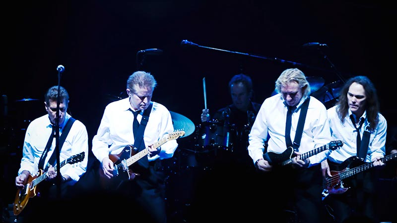 The Eagles Playing a Guitar Duet