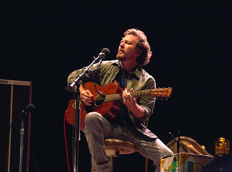 Eddie Vedder Playing Guitar
